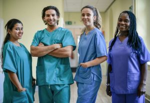 Spanish translated blog about how to invest in healthcare workers safety